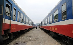 Train Hanoi - Lao Cai