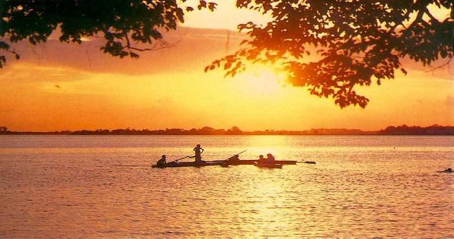 Le lac de l'Ouest de Hanoi